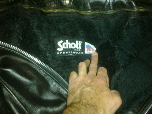 Schott_Black_top_label.jpg